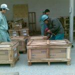 Dịch vụ đóng gói, đóng kiện, nâng hạ, vận chuyển hàng hóa.