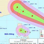 Biển Đông xuất hiện song song một áp thấp nhiệt đới và cơn bão khá mạnh