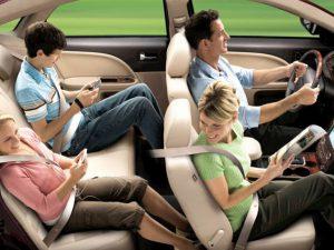 Người ngồi ở hàng sau Ô tô bắt buộc phải thắt dây an toàn.
