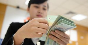 Tăng lương để khích lệ nhân tài nhưng liệu có chống được tham nhũng
