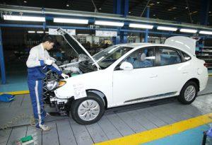 Bộ Tài chính hứa xem xét đề xuất giảm thuế của ô tô Made in Việt Nam.
